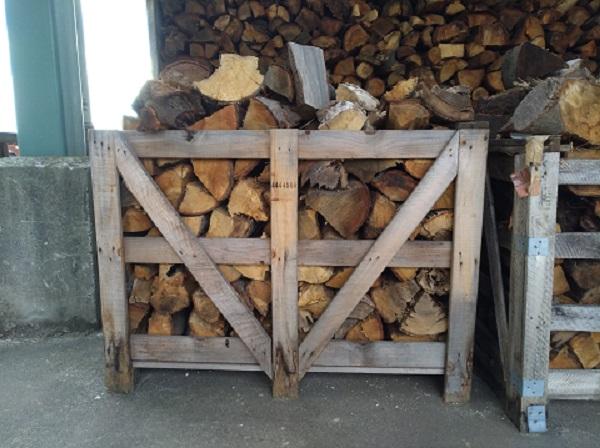 薪ストーブ用の薪を販売いたします。数量限定です!!